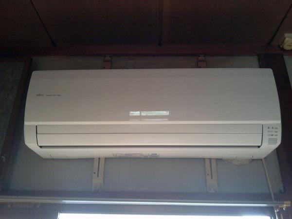 久留米市東合川町にてエアコンの移設と冷蔵庫・洗濯機・下駄箱絨毯などの不用品処分サムネイル