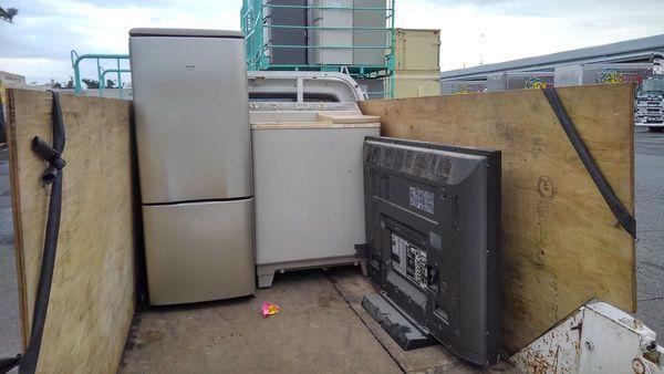 家電リサイクル法に則ってリサイクルセンターへサムネイル