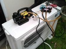 久留米市:旧エアコン取り外しと新品エアコンの取付サムネイル